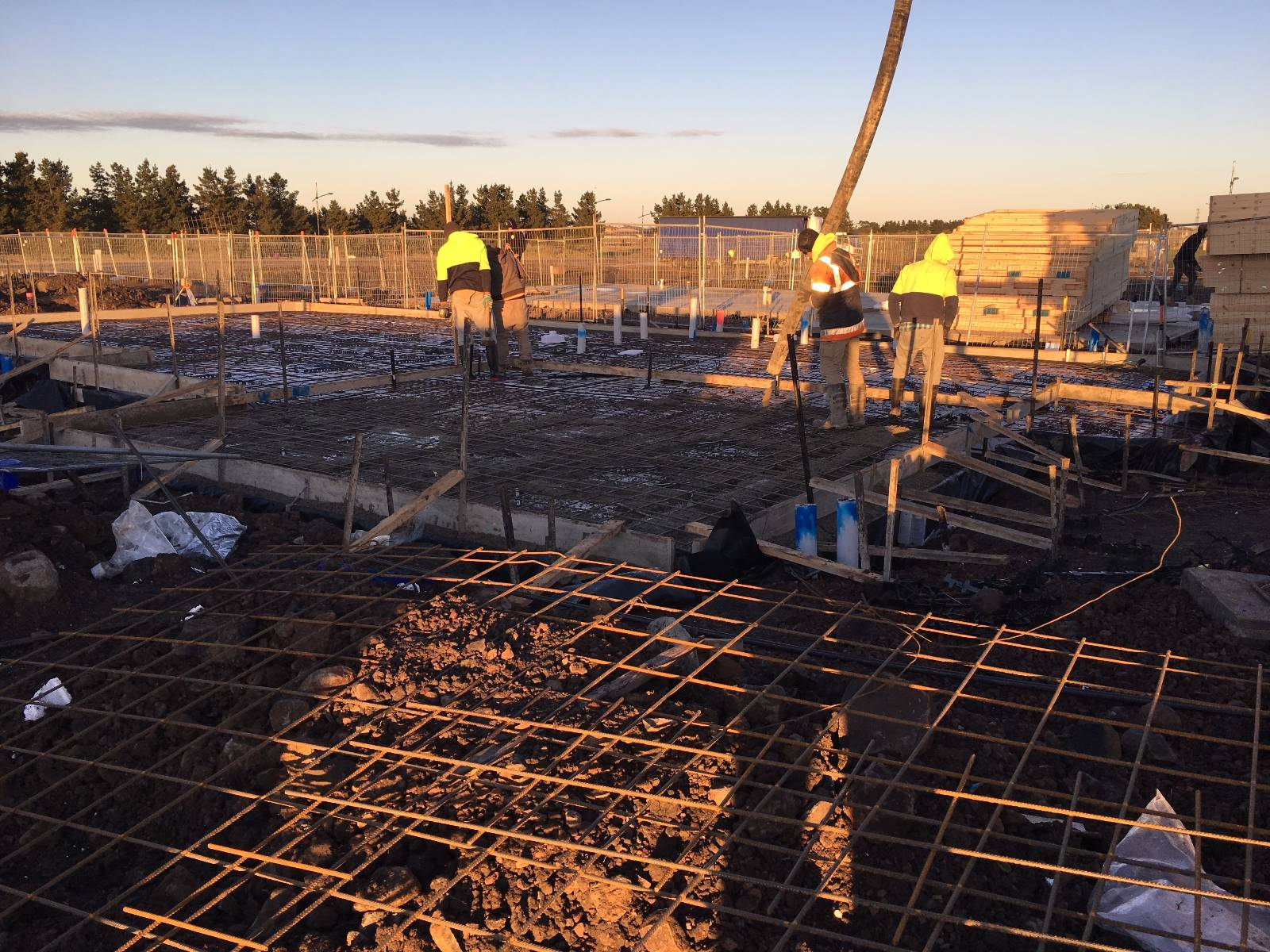 Anyone building with Homebuyers Centre in VICTORIA?
