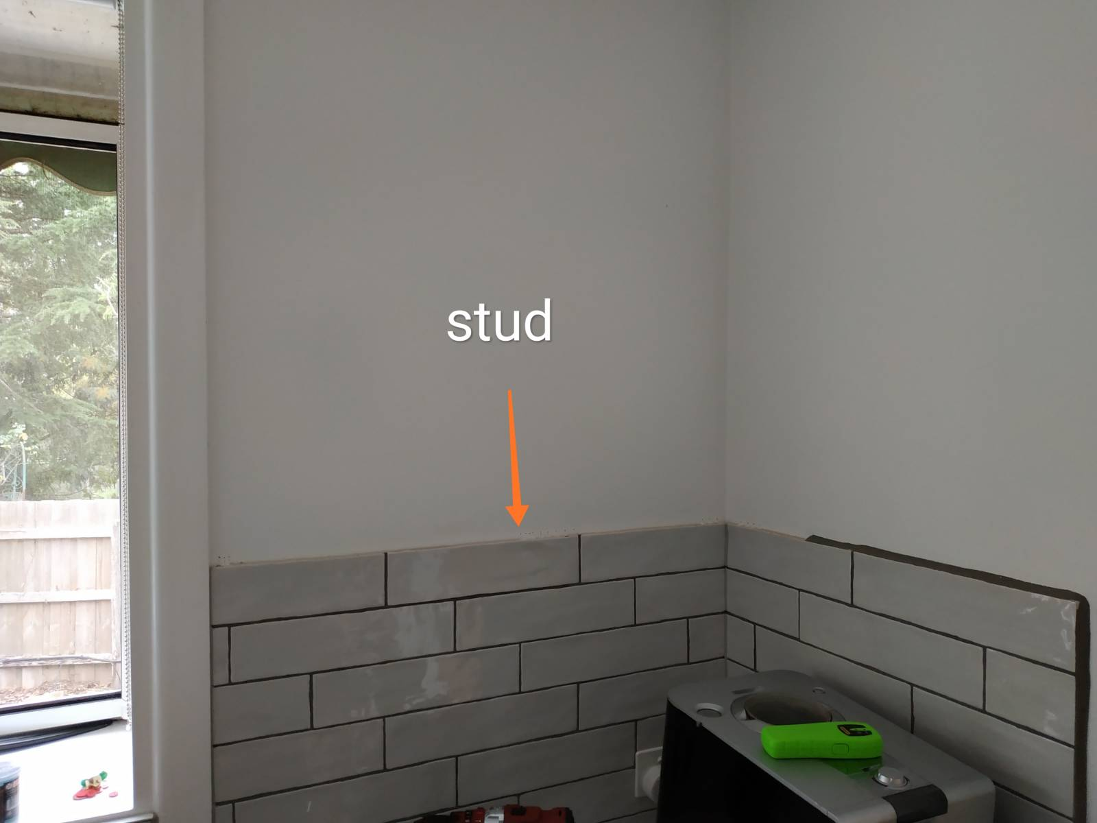 Installing a timber floating shelf - single stud