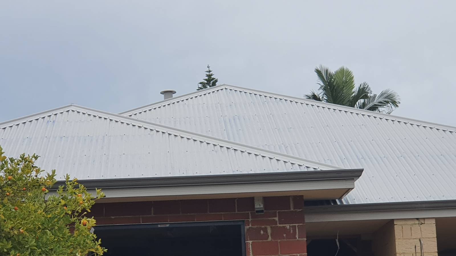 Colorbond roof grey bits