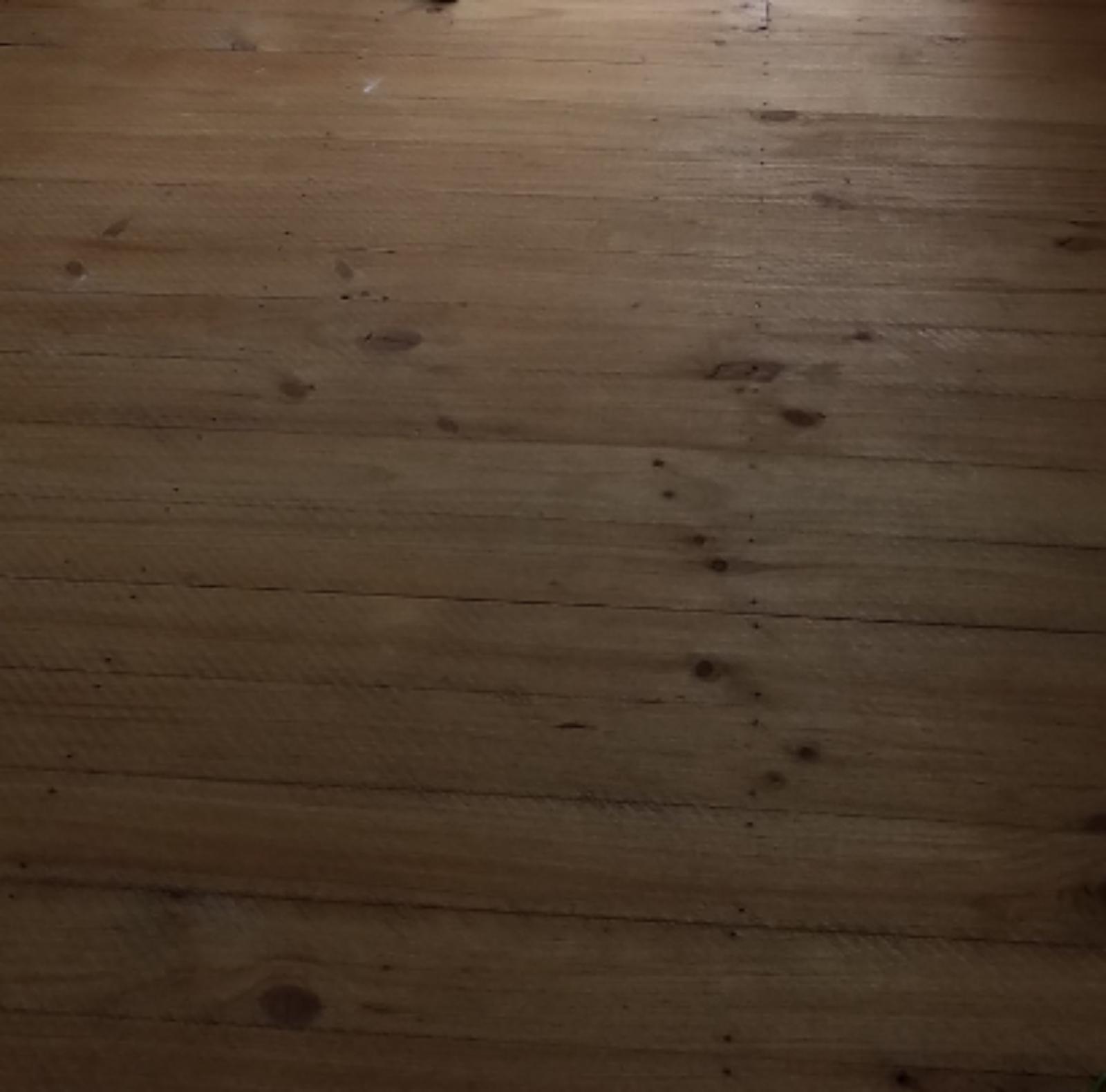 Pine floorboard identification (Baltic or Radiata)