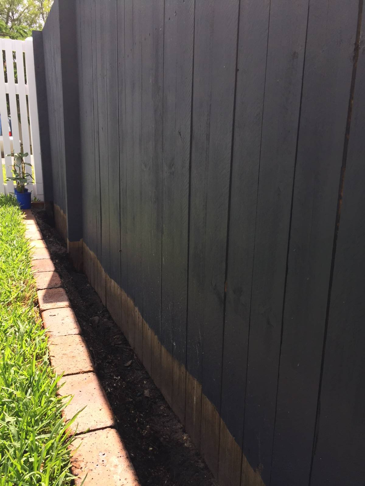 View Topic Wooden Slat Fence Below Soil Level Home