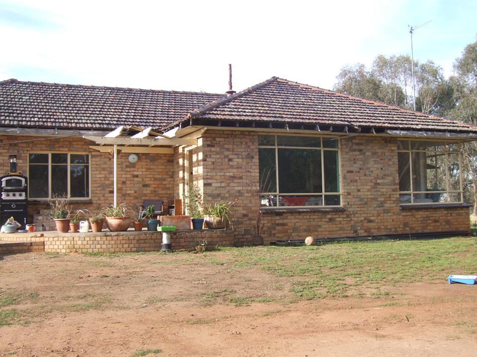 Extension for blonde brick house