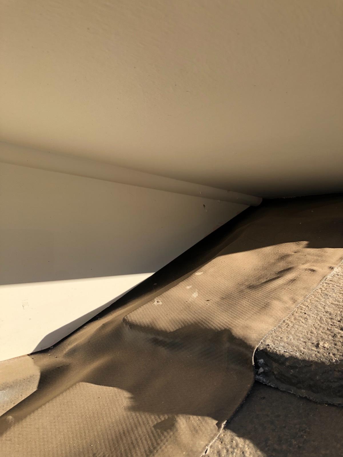 Gap between eves/fascia and roof tiles